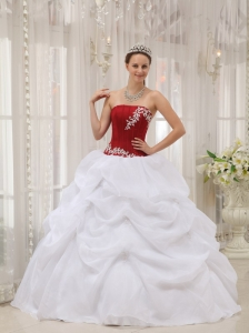 informal-white-and-wine-red-quinceanera-dress-strapless-taffeta-and-organza-appliques-ball-gown-3031-7