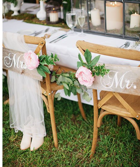 Country Mr & Mrs Sign Chair